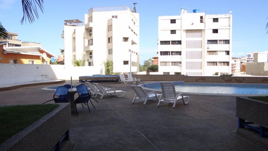 Apartamento Vargas>Parroquia Caraballeda>Caribe - Venta:20.000 Precio Referencial - codigo: 21-7650