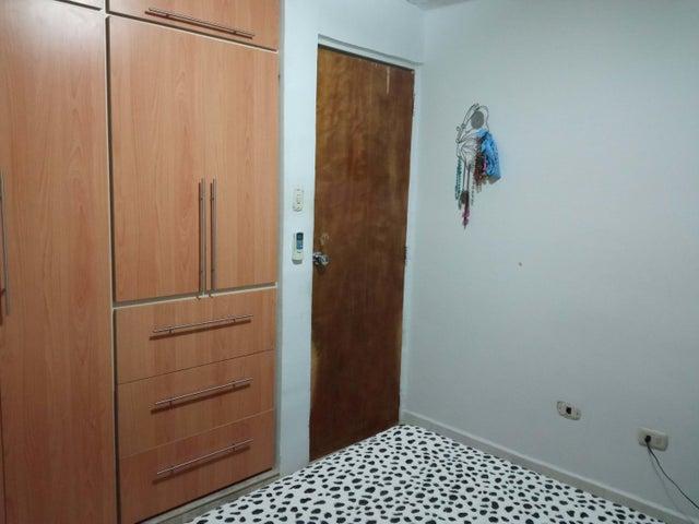 Apartamento Carabobo>Municipio San Diego>El Tulipan - Venta:15.500 Precio Referencial - codigo: 21-7721