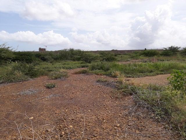 Terreno Falcon>Coro>Sector La Floresta - Venta:3.500 Precio Referencial - codigo: 21-7729