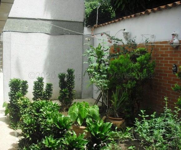 Apartamento Distrito Metropolitano>Caracas>Cumbres de Curumo - Venta:159.000 Precio Referencial - codigo: 21-7782