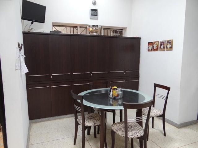 Casa Distrito Metropolitano>Caracas>El Marques - Venta:300.000 Precio Referencial - codigo: 21-7822