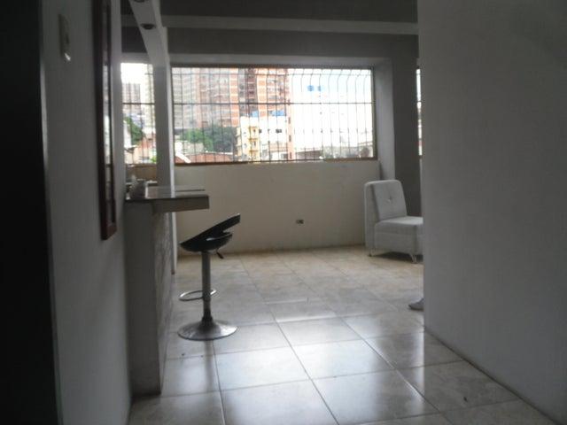 Casa Distrito Metropolitano>Caracas>San Agustin del Norte - Venta:190.000 Precio Referencial - codigo: 21-7870