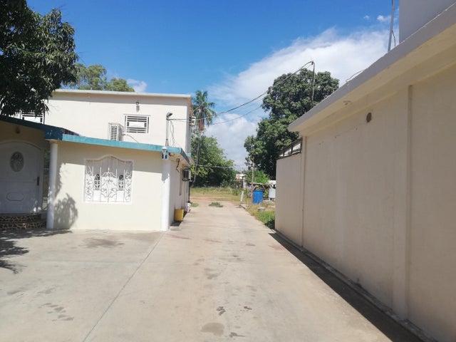 Casa Zulia>Cabimas>Ambrosio - Venta:52.500 Precio Referencial - codigo: 21-7934