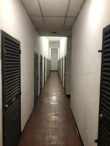 Apartamento Distrito Metropolitano>Caracas>Prado Humboldt - Venta:33.000 Precio Referencial - codigo: 21-8056