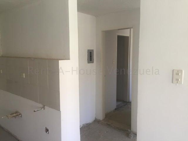 Apartamento Distrito Metropolitano>Caracas>Los Naranjos Humboldt - Venta:32.000 Precio Referencial - codigo: 21-8085