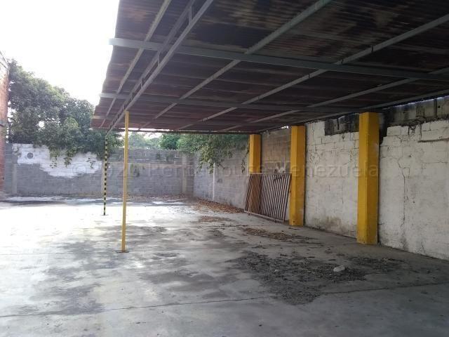 Local Comercial Lara>Barquisimeto>Centro - Alquiler:200 Precio Referencial - codigo: 21-8204