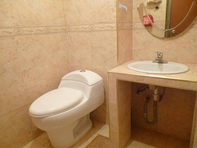 Apartamento Lara>Barquisimeto>Club Hipico Las Trinitarias - Venta:19.000 Precio Referencial - codigo: 21-8254