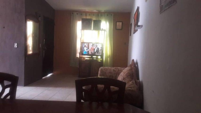 Casa Lara>Barquisimeto>Parroquia El Cuji - Venta:10.000 Precio Referencial - codigo: 21-8258