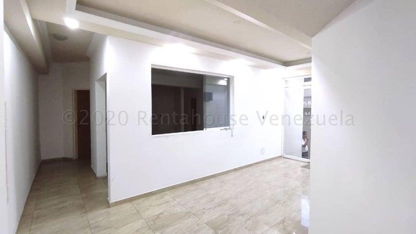 Apartamento Aragua>Maracay>La Esperanza - Venta:23.500 Precio Referencial - codigo: 21-8320