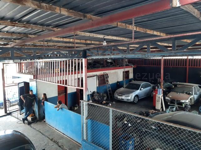 Local Comercial Zulia>Maracaibo>La Limpia - Venta:58.000 Precio Referencial - codigo: 21-8364