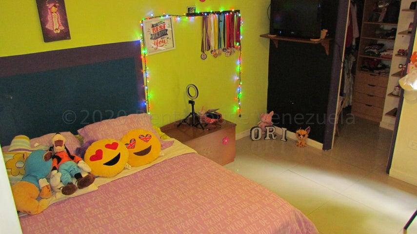 Apartamento Distrito Metropolitano>Caracas>Loma Linda - Venta:120.000 Precio Referencial - codigo: 21-8493