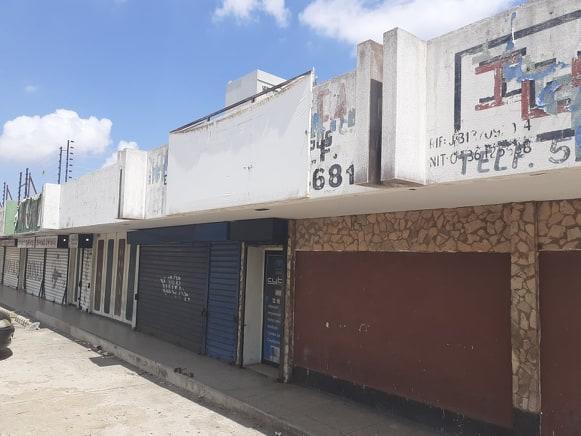 Local Comercial Zulia>Maracaibo>Avenida Goajira - Venta:8.500 Precio Referencial - codigo: 21-8504