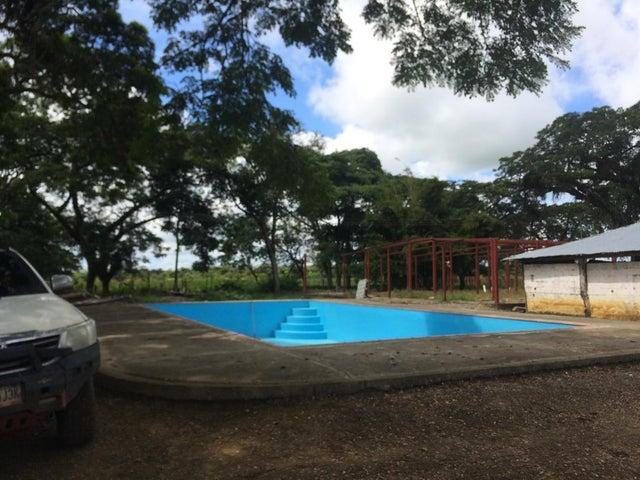 Terreno Portuguesa>Guanare>Centro - Venta:290.000 Precio Referencial - codigo: 21-8554