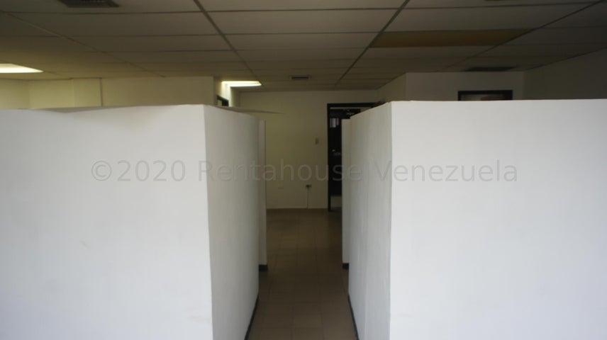 Oficina Lara>Barquisimeto>Centro - Alquiler:100 Precio Referencial - codigo: 21-8555