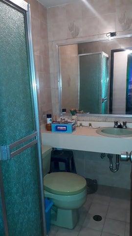 Apartamento Distrito Metropolitano>Caracas>Santa Fe Norte - Venta:65.000 Precio Referencial - codigo: 21-8603