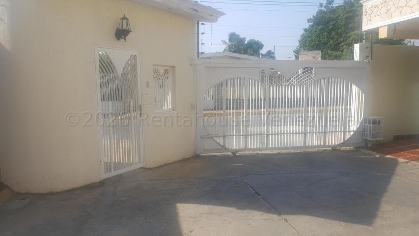 Townhouse Zulia>Ciudad Ojeda>Campo Elias - Alquiler:350 Precio Referencial - codigo: 21-8595