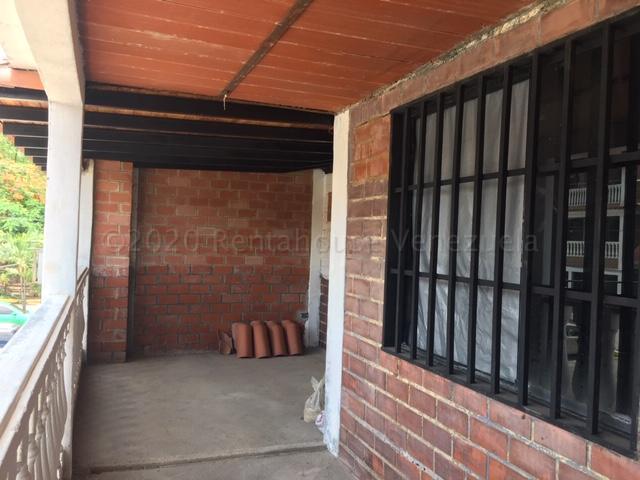 Casa Miranda>Guatire>El Ingenio - Venta:16.000 Precio Referencial - codigo: 21-8688