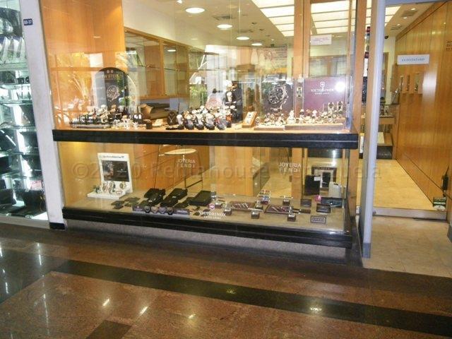 Local Comercial Distrito Metropolitano>Caracas>El Cafetal - Venta:180.000 Precio Referencial - codigo: 21-8710