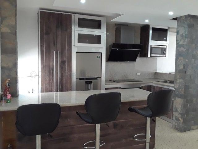 Apartamento Zulia>Municipio San Francisco>Kilometro 4 - Venta:15.000 Precio Referencial - codigo: 21-8943