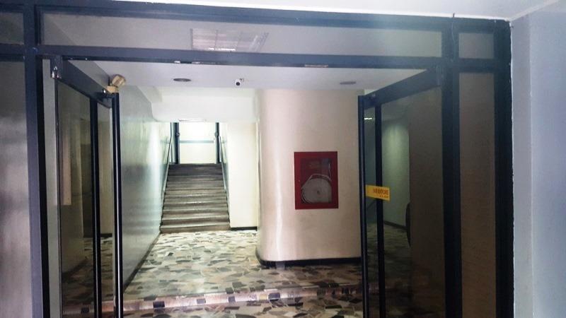 Oficina Distrito Metropolitano>Caracas>Chacaito - Alquiler:425 Precio Referencial - codigo: 21-8991