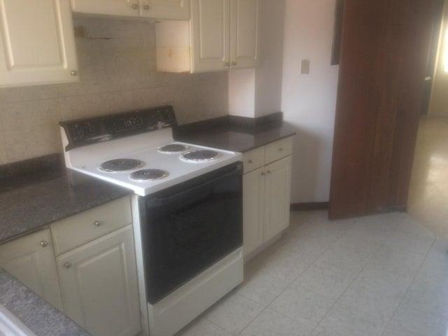Apartamento Zulia>Maracaibo>La Lago - Venta:48.000 Precio Referencial - codigo: 21-9141