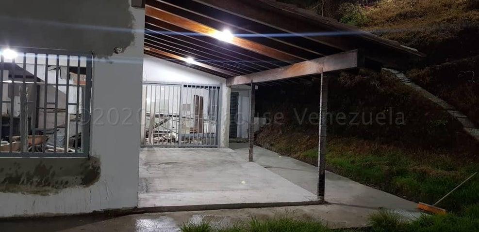 Casa Distrito Metropolitano>Caracas>El Peñon - Venta:280.000 Precio Referencial - codigo: 21-8981
