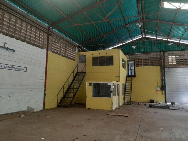 Galpon - Deposito Zulia>Maracaibo>Avenida Goajira - Alquiler:500 Precio Referencial - codigo: 21-9256