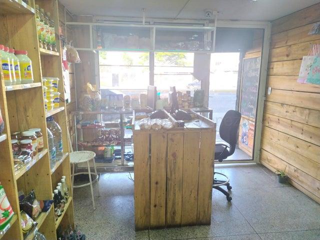 Local Comercial Lara>Barquisimeto>Centro - Alquiler:250 Precio Referencial - codigo: 21-9131