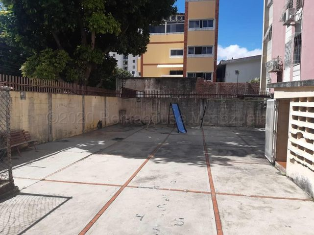 Apartamento Lara>Barquisimeto>Centro - Venta:20.000 Precio Referencial - codigo: 21-9303