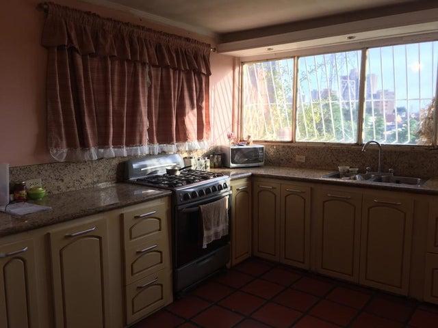 Casa Zulia>Maracaibo>Valle Frio - Venta:17.000 Precio Referencial - codigo: 21-9365