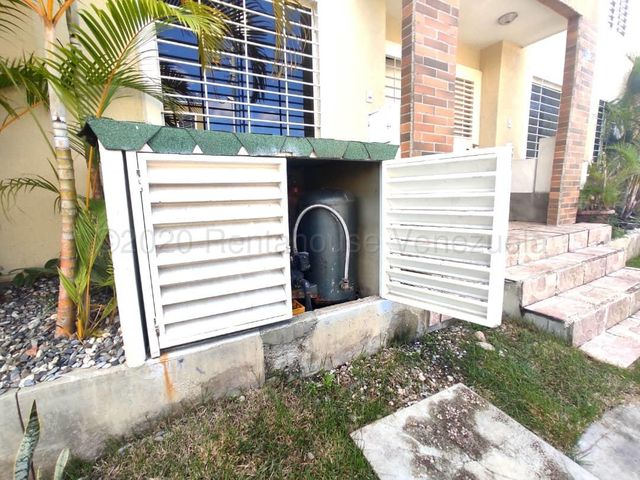 Casa Lara>Cabudare>Caminos de Tarabana - Venta:29.000 Precio Referencial - codigo: 21-9385