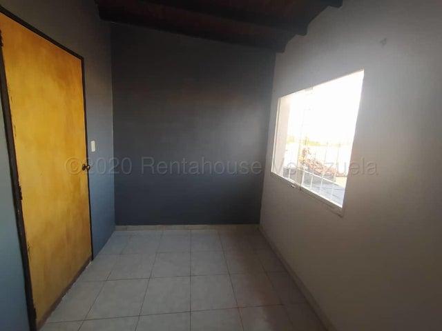 Casa Lara>Cabudare>Camino de la Mendera - Venta:49.000 Precio Referencial - codigo: 21-9406