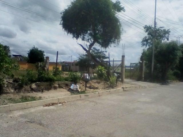Terreno Lara>Cabudare>El Trigal - Venta:6.000 Precio Referencial - codigo: 21-9407