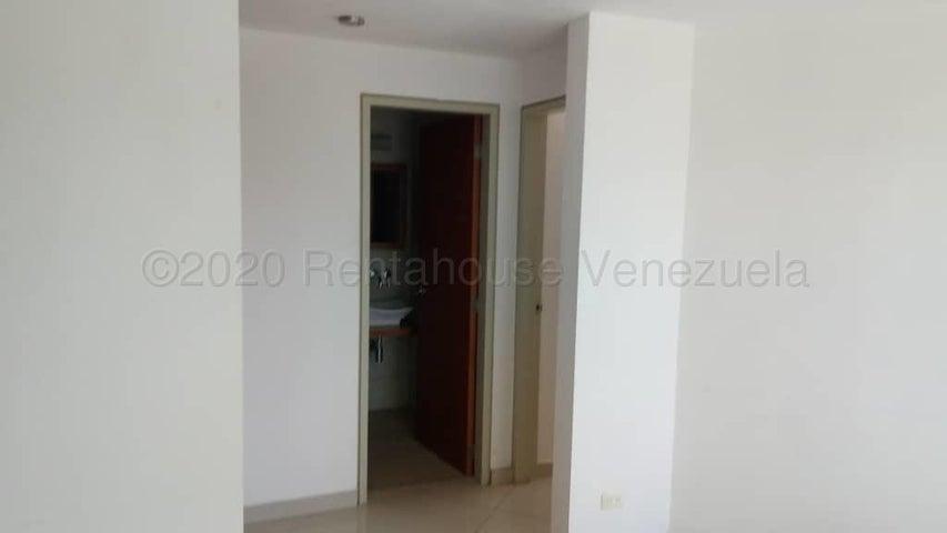 Apartamento Distrito Metropolitano>Caracas>Sabana Grande - Venta:32.000 Precio Referencial - codigo: 21-9442