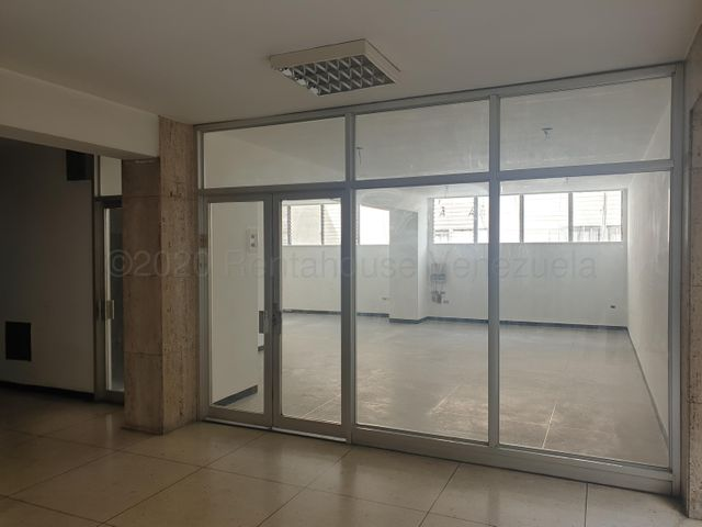 Oficina Distrito Metropolitano>Caracas>Chacao - Venta:51.000 Precio Referencial - codigo: 21-9453