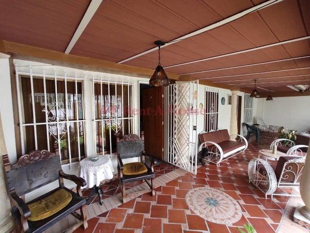 Casa Aragua>Maracay>Los Samanes - Venta:33.000 Precio Referencial - codigo: 21-9590