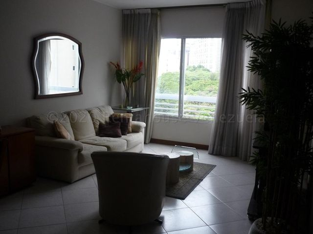 Apartamento Distrito Metropolitano>Caracas>El Rosal - Alquiler:600 Precio Referencial - codigo: 21-9614
