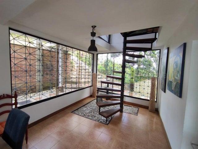 Casa Distrito Metropolitano>Caracas>La Union - Venta:85.000 Precio Referencial - codigo: 21-9629