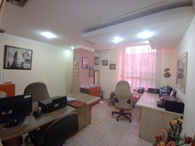 Local Comercial Carabobo>Valencia>Avenida Bolivar Norte - Venta:20.000 Precio Referencial - codigo: 21-9631