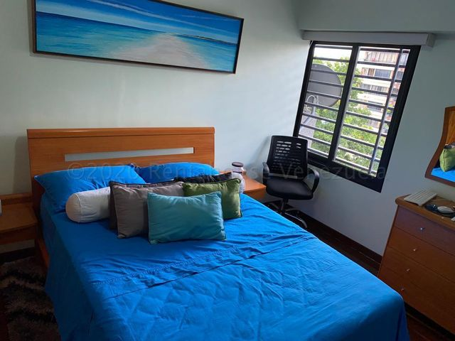 Apartamento Distrito Metropolitano>Caracas>El Bosque - Venta:80.000 Precio Referencial - codigo: 21-9653