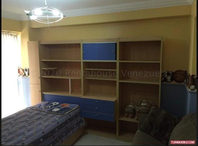 Apartamento Distrito Metropolitano>Caracas>El Paraiso - Venta:95.000 Precio Referencial - codigo: 21-10253