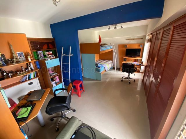 Apartamento Distrito Metropolitano>Caracas>Manzanares - Alquiler:800 Precio Referencial - codigo: 21-9711