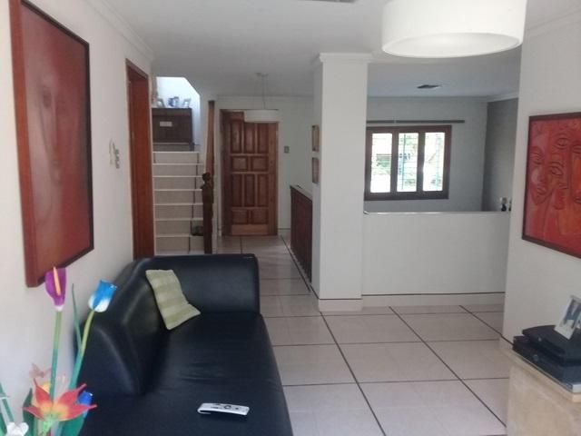 Casa Lara>Barquisimeto>El Pedregal - Venta:240.000 Precio Referencial - codigo: 21-9732