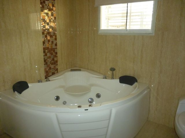 Casa Lara>Barquisimeto>El Pedregal - Venta:420.000 Precio Referencial - codigo: 21-9733