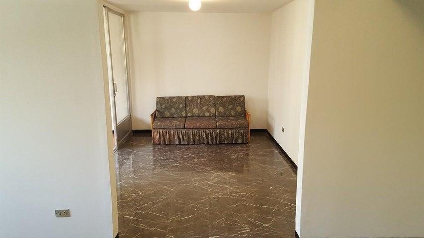 Apartamento Distrito Metropolitano>Caracas>Los Palos Grandes - Venta:125.000 Precio Referencial - codigo: 21-9750