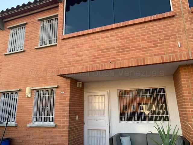 Townhouse Miranda>Guatire>Terrazas de Buena Ventura - Venta:63.000 Precio Referencial - codigo: 21-9770