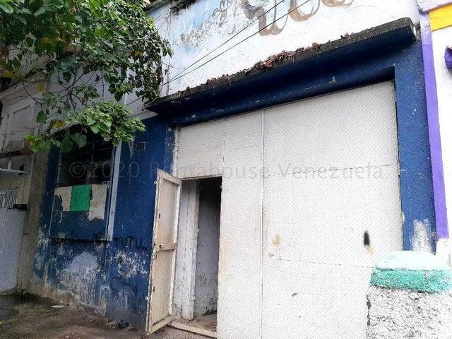 Galpon - Deposito Distrito Metropolitano>Caracas>Cementerio - Venta:27.000 Precio Referencial - codigo: 21-10939