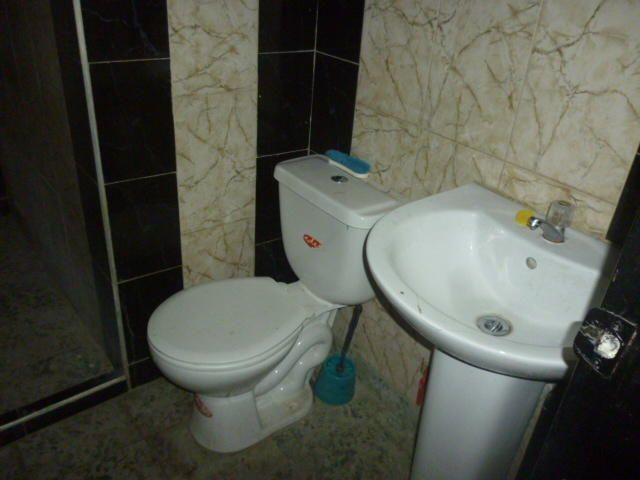 Local Comercial Lara>Barquisimeto>Parroquia Union - Venta:100.000 Precio Referencial - codigo: 21-9889