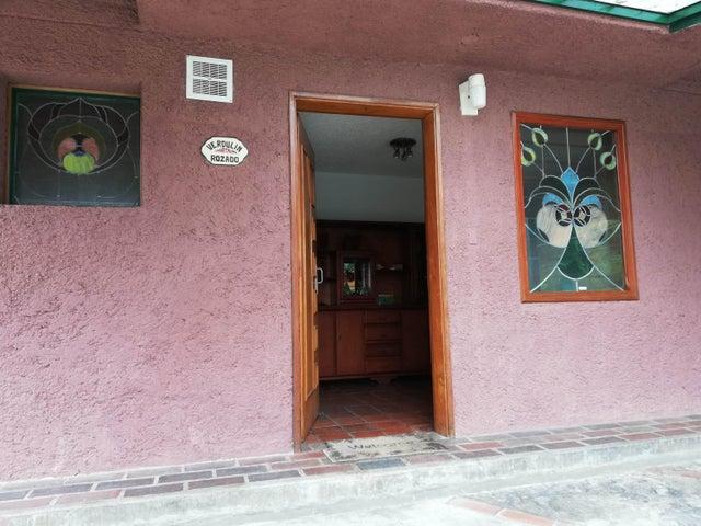 Casa Distrito Metropolitano>Caracas>Colinas de Los Chaguaramos - Venta:230.000 Precio Referencial - codigo: 21-9893