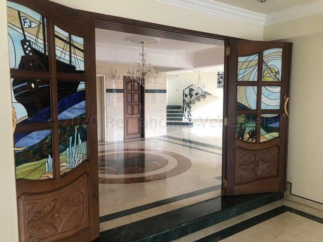 Apartamento Distrito Metropolitano>Caracas>Santa Eduvigis - Alquiler:2.500 Precio Referencial - codigo: 21-9931